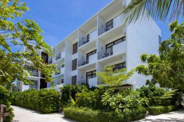 Отель Plumeria Maldives Hotel Мальдивы, Мале, фото 1