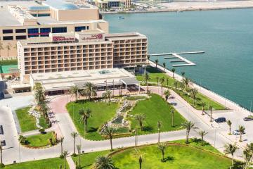 Отель Hilton Garden Inn Ras Al Khaimah ОАЭ, Рас Аль Хайма, фото 1