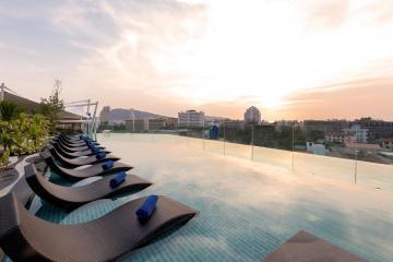 Отель Oakwood Hotel Journeyhub Phuket Тайланд, пляж Патонг, фото 1