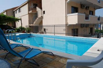 Отель Apartments Srzentic Черногория, Петровац, фото 1