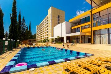 Отель Пансионат Багрипш Абхазия, Гагры, фото 1