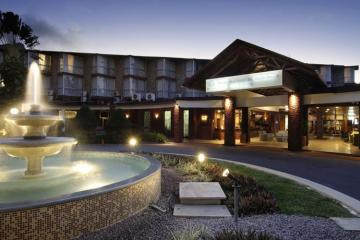 Отель Berjaya Beau Vallon Bay Beach Resort & Casino Сейшелы, о Маэ, фото 1