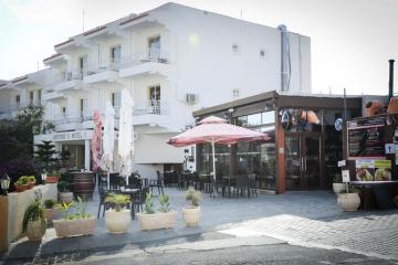 Отель Antonis G. Hotel Apartments Кипр, Ларнака, фото 1