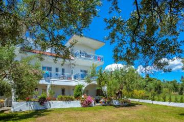 Отель Xenios Faros Apartments Греция, Халкидики-Кассандра, фото 1