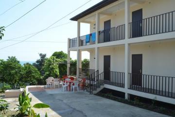 Отель Леон гостевой дом Абхазия, Новый Афон, фото 1